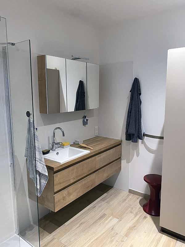 Pose et conception de salles de bain Yanet